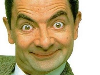 Mr. Bean deja hospital tras accidente de auto